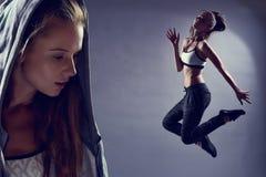 Stäng sig upp av sportkvinna och hopp i bakgrund Royaltyfria Bilder