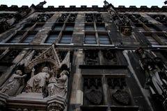 Stäng sig upp av stadshuset i Aachen, Tyskland Arkivbilder