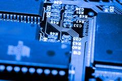 Stäng sig upp av strömkretsar som är elektroniska på brädet för logik för bakgrund för den Mainboard teknologidatoren, CPU-moderk Royaltyfri Bild