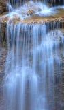 Stäng sig upp den Erawan vattenfallet i Kanchanaburi, Thailand Arkivfoto
