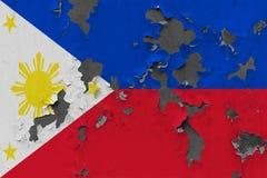 Stäng sig upp grungy, skadad och riden ut Filippinernaflagga på väggen som skalar av målarfärg för att se inom yttersida vektor illustrationer
