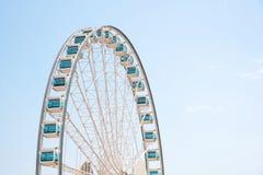 Stäng sig upp jätten Ferris Wheel i Hong Kong nära Victoria Harbor Royaltyfri Fotografi