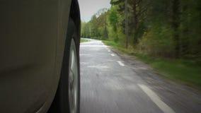 Stäng sig upp sikten av hjulet, medan köra stock video