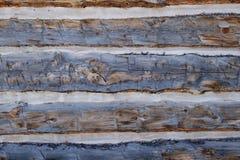 Stäng sig upp skottet av gamla träplankor för att bygga en kabin Royaltyfri Bild