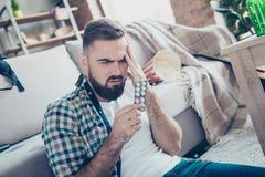 Stäng sig upp ståenden av den sjuka dåligt opassliga ledsna besvärade rubbningen för känsla Fotografering för Bildbyråer