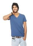 Stäng sig upp ståenden av en lycklig man med den svarta hatten royaltyfria bilder
