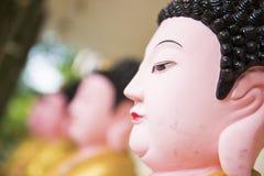 Stäng sig upp templet för si för lok för buddha statykek i Penang arkivbild