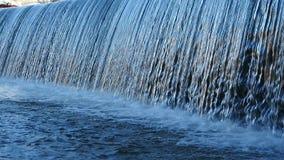 stäng sig upp vattenfallet arkivfilmer