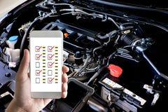 Stäng upp detaljen av den nya bilmotorn den kraftiga motorn av en bil royaltyfria foton