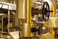 stängande industriell ventil Arkivfoto