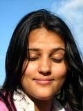 stängd ögonkvinna Fotografering för Bildbyråer