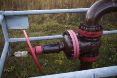 Stängd av ventil för disconnected olje- pump Ryssland Bashneft, Rosneft fotografering för bildbyråer