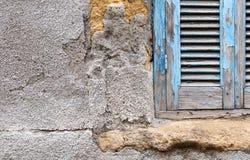 Stängd fönsterbakgrund för blå tappning Royaltyfri Foto