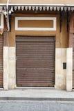 Stängd hopfällbar dörr Arkivbilder