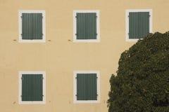 stängda fönster Arkivbilder