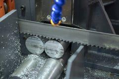 Stängerna för metaller för bandsågmaskinklipp de rå arkivfoton