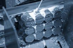 Stängerna för metaller för bandsågmaskinklipp de rå arkivbilder