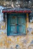 Stängt fönster för tappning Fotografering för Bildbyråer