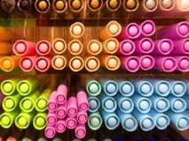 Stängt upp färgrika Pen Viewed från locksida Arkivfoton
