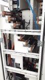 Stängt upp kopparbusbaren installera den inre huvudsakliga fördelningspanelen Royaltyfri Bild