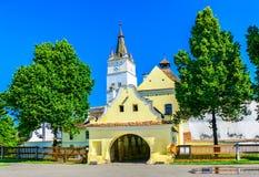 Stärkt kyrka av Harman, Brasov i Rumänien Arkivfoton