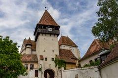 Stärkt kyrka i Bazna, Rumänien arkivfoton