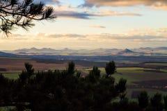 StÅ™edohořà de ÄŒeské/montañas centrales checas imagen de archivo