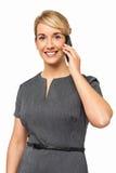 Stående av affärskvinnan Answering Smart Phone Arkivfoton