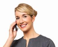 Stående av affärskvinnan Answering Smart Phone Royaltyfri Foto