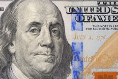 Stående av Benjamin Franklin på sedeln hundra dollar Arkivfoton