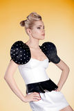 Stående av blond skönhet för mode Royaltyfri Bild