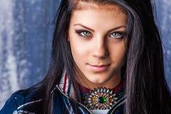 Stående av den älskvärda tonårs- flickan Arkivfoto
