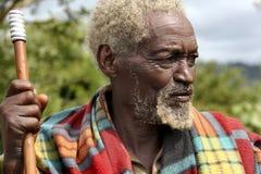 Stående av den afrikanska gamala mannen Royaltyfria Bilder