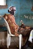 Stående av den afrikanska gamala mannen Royaltyfri Foto