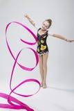 Stående av den Caucasian kvinnliga rytmiska gymnasten Arkivbilder