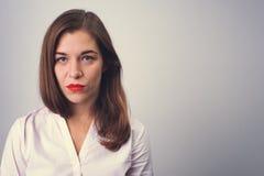 Stående av den deprimerade ledsna kvinnan arkivbild