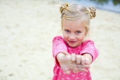 Stående av den emotionella härliga femåriga flickan Fotografering för Bildbyråer