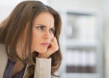 Stående av den frustrerade affärskvinnan Royaltyfri Foto