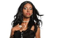 Stående av den härliga afrikansk amerikankvinnan Royaltyfri Bild