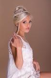 Stående av den härliga blonda bruden Arkivfoto