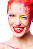 Stående av den härliga flickan med den ljusa makeupcloseupen Royaltyfri Foto