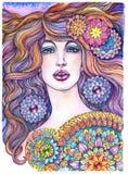 Stående av den härliga kvinnan, flickan med långt hår och mandalas Arkivfoton