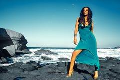 Stående av den härliga sexiga Caucasian varma brunettflickamodellen Royaltyfria Foton