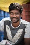 Stående av den indiska mannen i lokal morgonmarknad på Hospet, Karnata arkivbilder