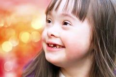 Stående av den lyckliga flickan Arkivfoto