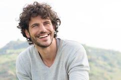 Stående av den lyckliga skratta mannen Royaltyfri Fotografi