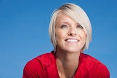 Lycklig ung blond wman royaltyfri fotografi