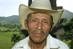 Stående av den nicaraguanska äldre mannen, fattig bonde arkivfoto