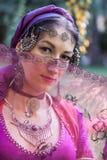 Stående av den orientaliska dansaren Royaltyfria Foton