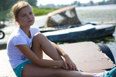 Stående av den tonårs- flickan royaltyfri foto